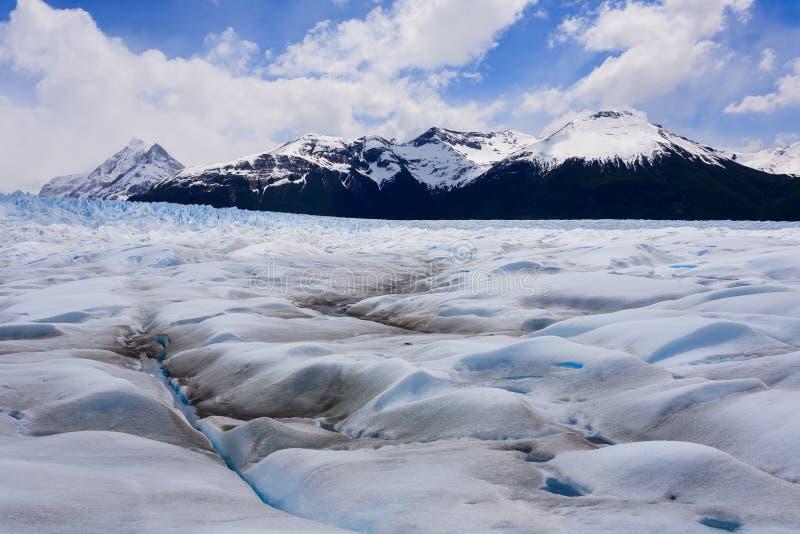 Caminando en Patagonia del glaciar de Perito Moreno, la Argentina foto de archivo libre de regalías