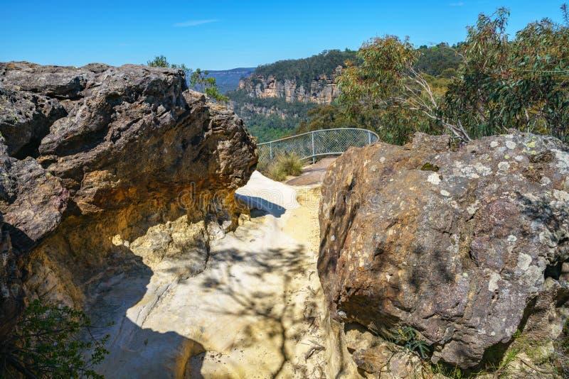 Caminar el paseo del acantilado del Henrio del príncipe, montañas azules, Australia 11 fotografía de archivo