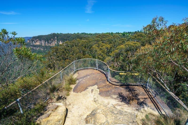 Caminar el paseo del acantilado del Henrio del príncipe, montañas azules, Australia 12 fotografía de archivo