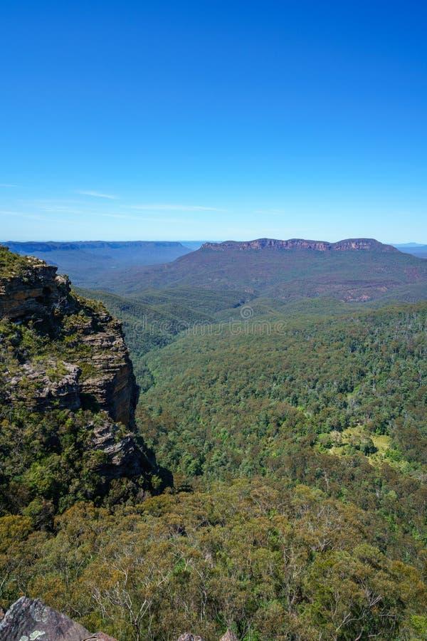 Caminar el paseo del acantilado del Henrio del príncipe, montañas azules, Australia 22 imagen de archivo