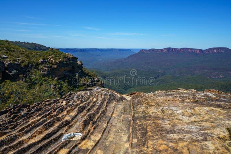 Caminar el paseo del acantilado del Henrio del príncipe, montañas azules, Australia 34 imágenes de archivo libres de regalías