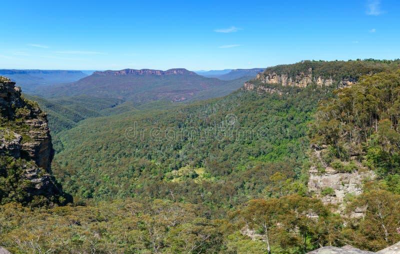 Caminar el paseo del acantilado del Henrio del príncipe, montañas azules, Australia 23 fotografía de archivo