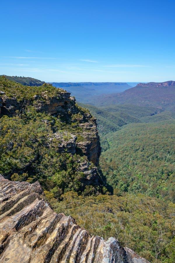 Caminar el paseo del acantilado del Henrio del príncipe, montañas azules, Australia 27 imagen de archivo libre de regalías