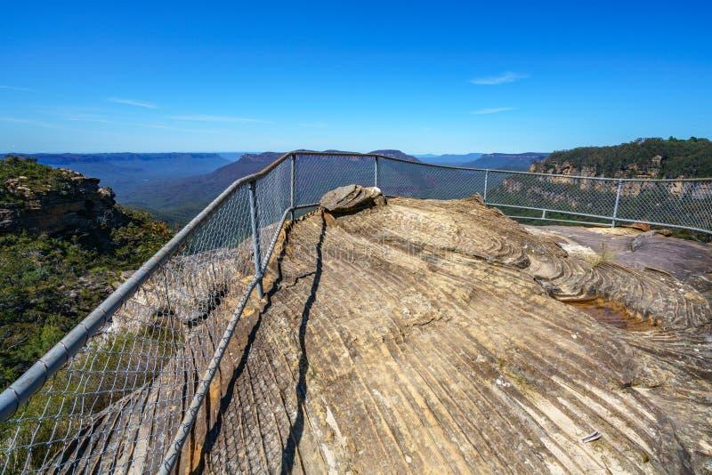 Caminar el paseo del acantilado del Henrio del príncipe, montañas azules, Australia 15 imagen de archivo libre de regalías