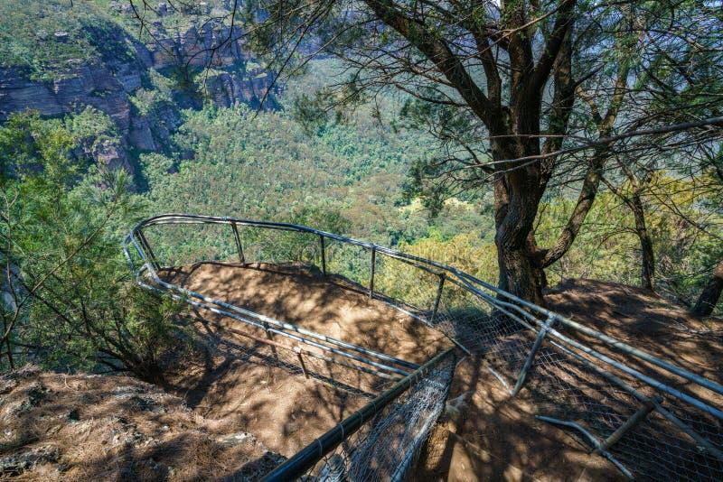 Caminar el paseo del acantilado del Henrio del príncipe, montañas azules, Australia 52 imágenes de archivo libres de regalías