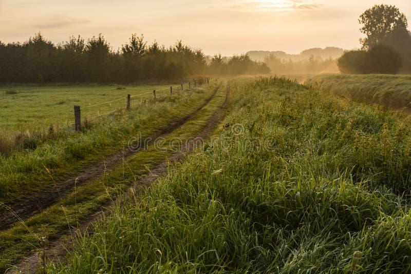 Caminar el rastro GR5 en el Benelux fotos de archivo