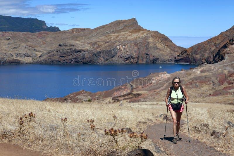 Caminar a Ponta de Sao Laurenco, Madeira imagen de archivo