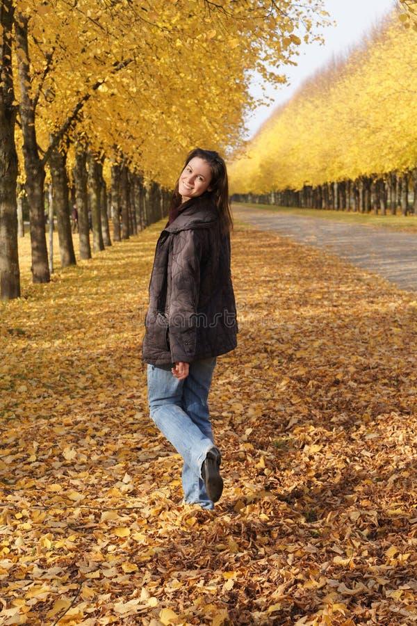 Caminata del otoño fotografía de archivo libre de regalías