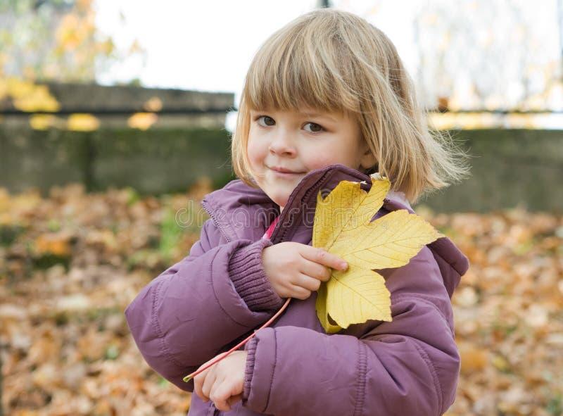 Caminata del otoño imagen de archivo libre de regalías