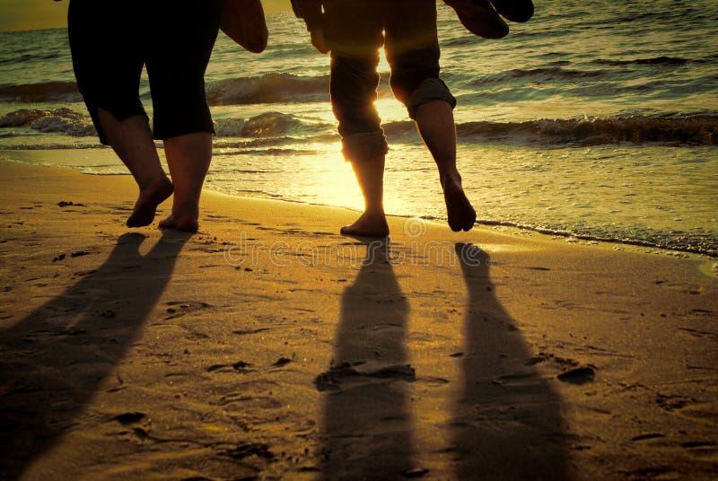 Caminata descalzo imagen de archivo