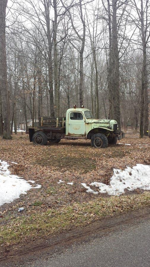 Caminhão antigo do vintage fotografia de stock royalty free