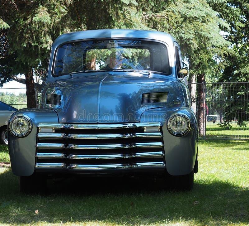 Caminhão antigo restaurado fotografia de stock royalty free