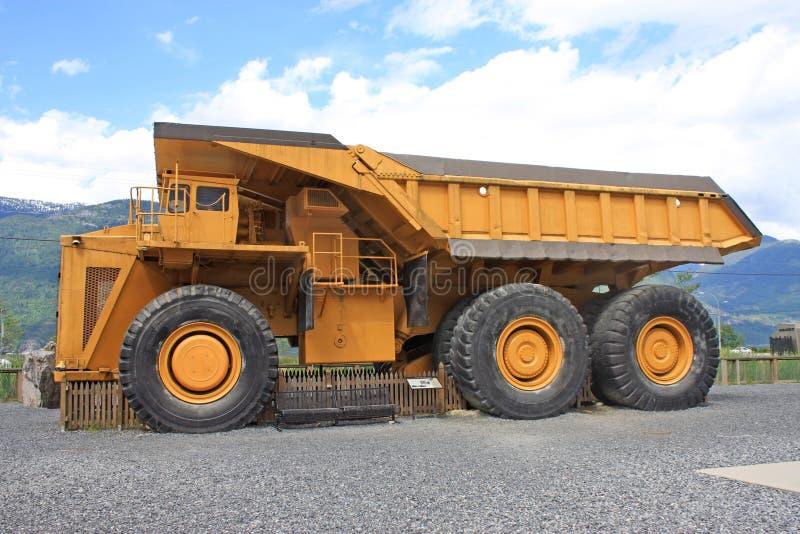 Caminhão basculante gigante imagem de stock royalty free
