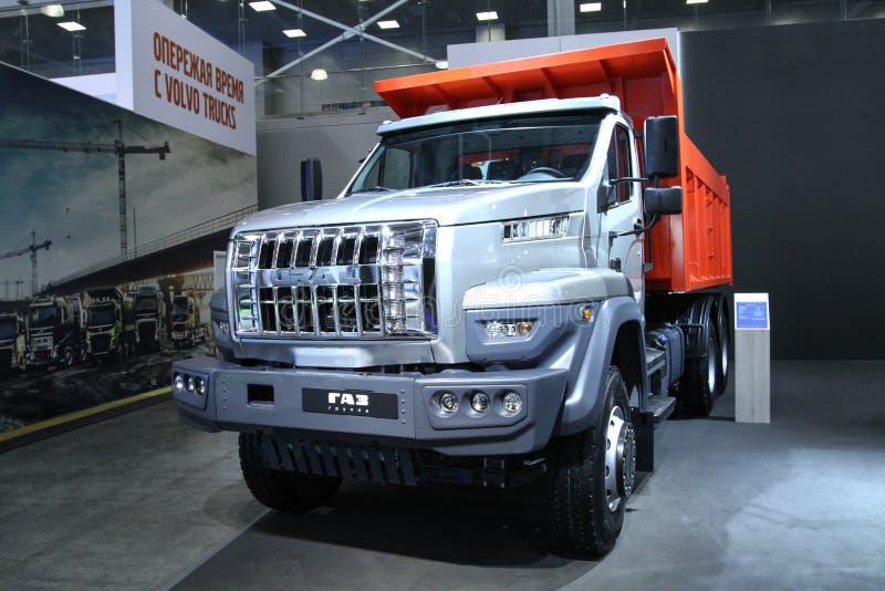 Caminhão basculante Ural C25 330 fotos de stock