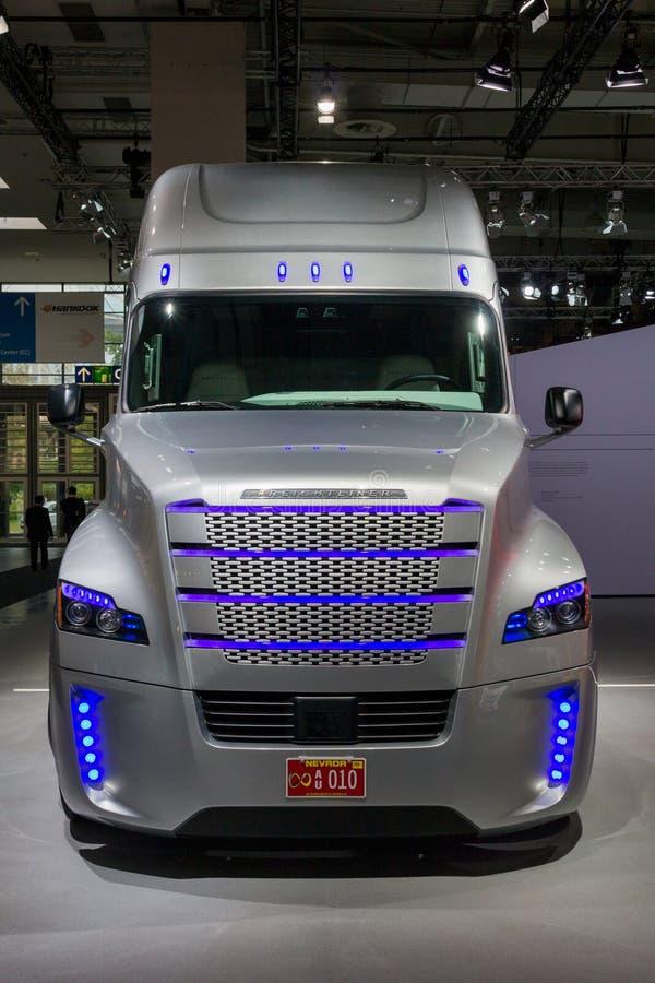 Caminhão comercial autônomo do caminhão da inspiração de Freightliner imagem de stock