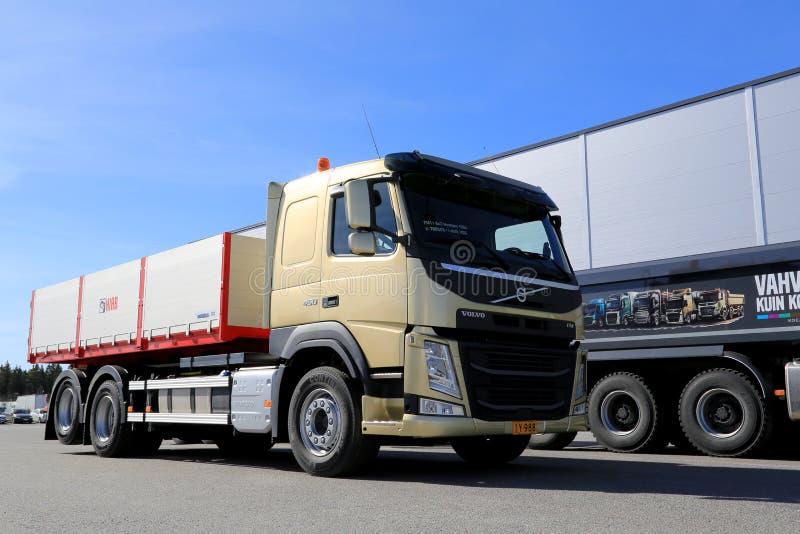 Caminhão da construção de Volvo FM11 Hookpro fotografia de stock