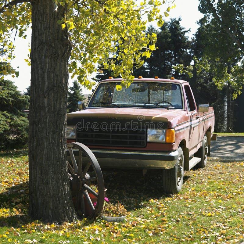 Caminhão de coletor velho foto de stock royalty free