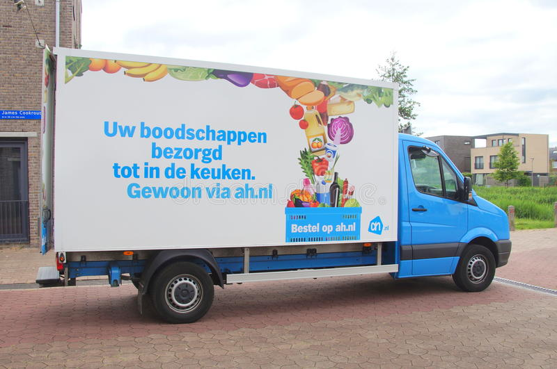 Caminhão de entrega de Albert Heijn fotos de stock royalty free