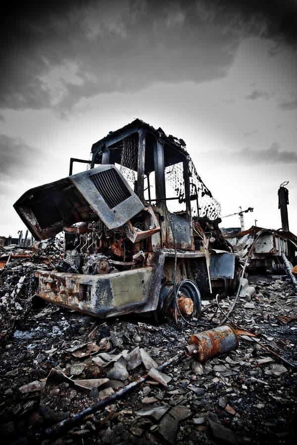 Caminhão de forklift abandonado fotografia de stock