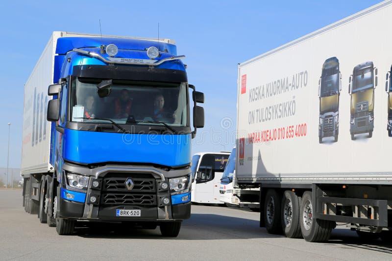 Caminhão de Renault T460 6x2T E6 imagens de stock