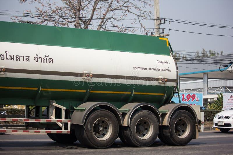 Caminhão de tanque do melaço de Tailandês Molaz Empresa fotografia de stock