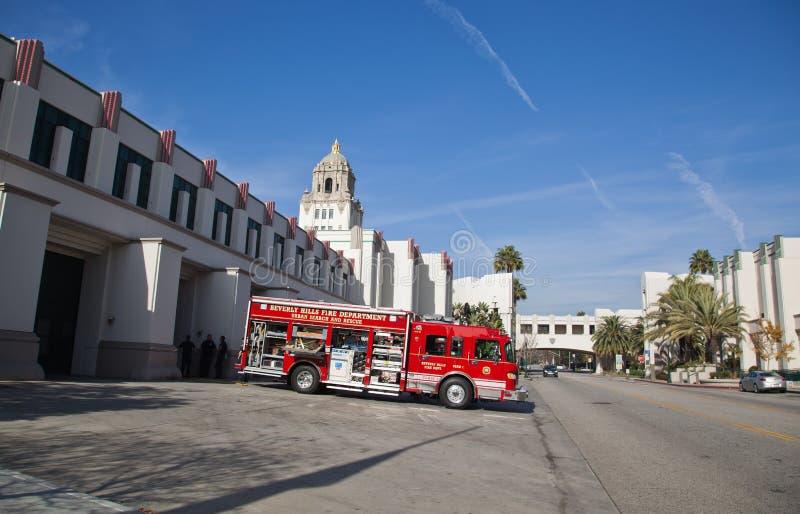 Caminhão do departamento dos bombeiros imagens de stock royalty free
