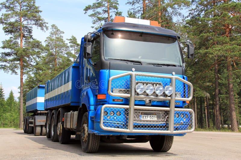 Caminhão e reboque de Sisu 18E630 fotos de stock royalty free