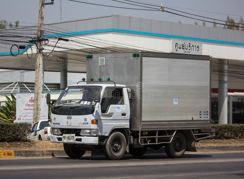 Caminhão frio do recipiente para o transporte do gelo imagem de stock