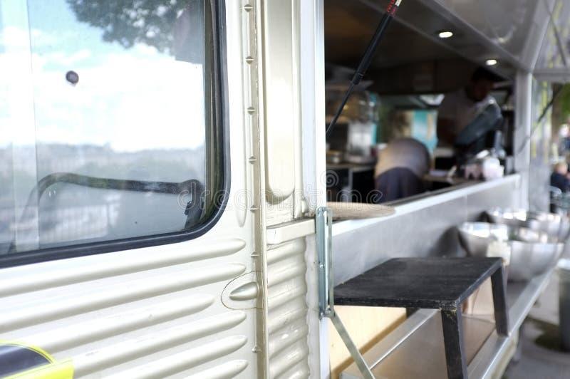 Caminhão móvel do alimento imagem de stock