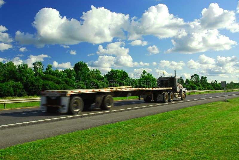 Caminhão movente rápido fotos de stock royalty free
