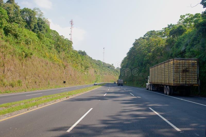 Caminhão no lado da estrada imagens de stock royalty free