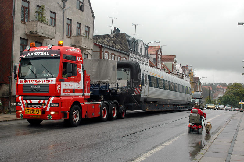 Caminhão pesado do transporte colado foto de stock royalty free