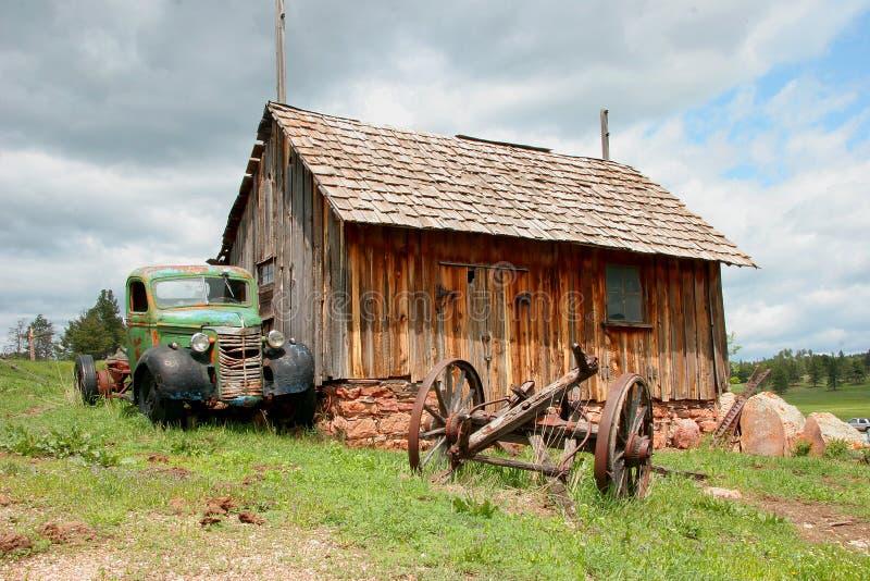 Caminhão velho antic abandonado. fotografia de stock royalty free