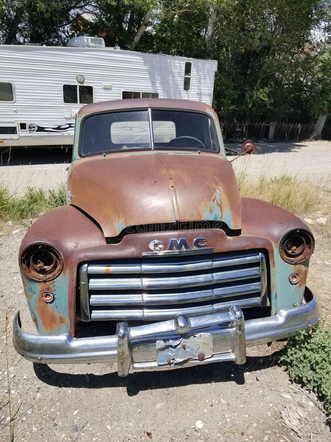 Caminhão velho de GMC foto de stock