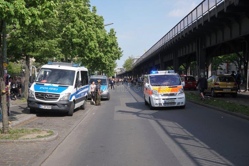 Caminhões alemães da polícia e da ambulância imagens de stock