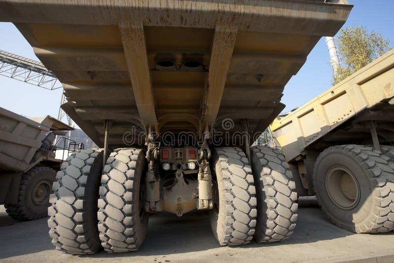 Caminhões de descarga da mineração fotos de stock royalty free