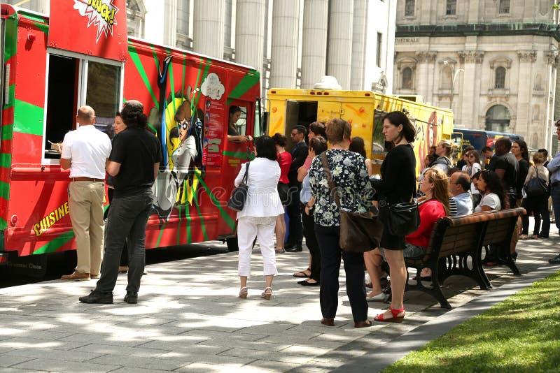 Caminhões do alimento em Montreal fotos de stock