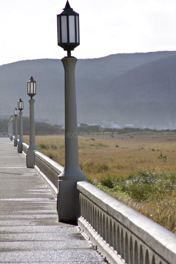 Caminhada da manhã do passeio à beira mar imagem de stock