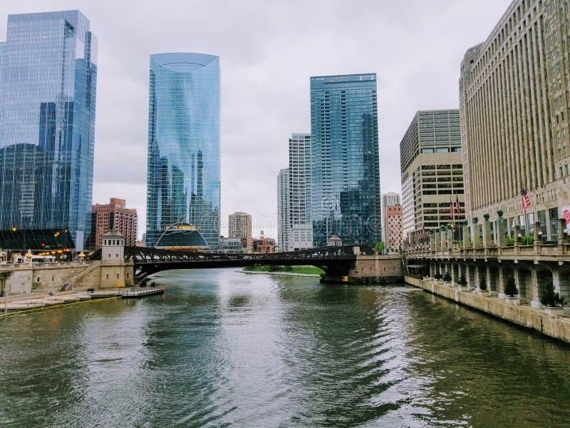 Caminhada da margem na cidade de Chicago EUA fotos de stock royalty free