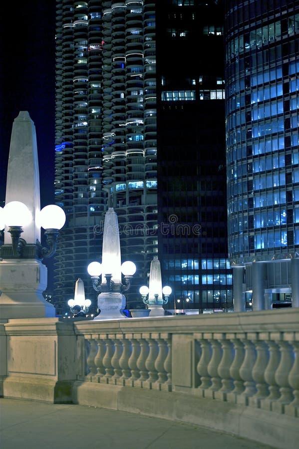 Caminhada da noite em Chicago fotografia de stock