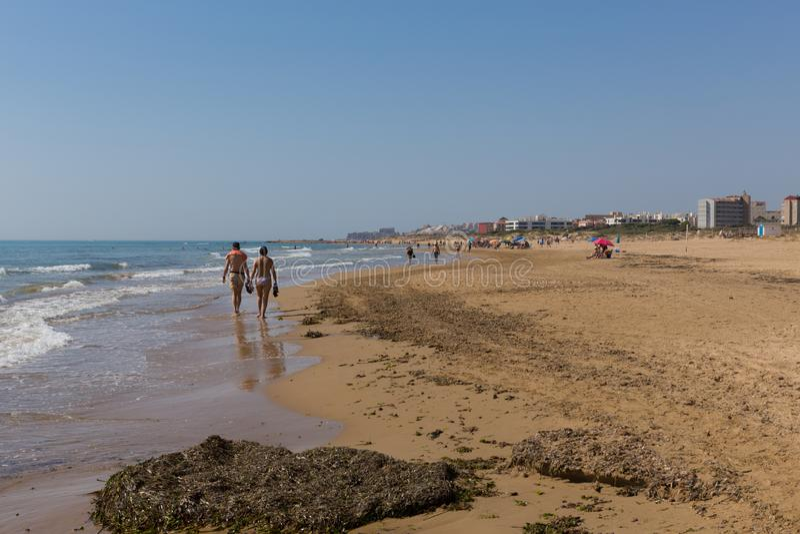 Caminhada da praia de Costa Blanca do del Segura de Guardamar ao la Mata de Torre fotos de stock