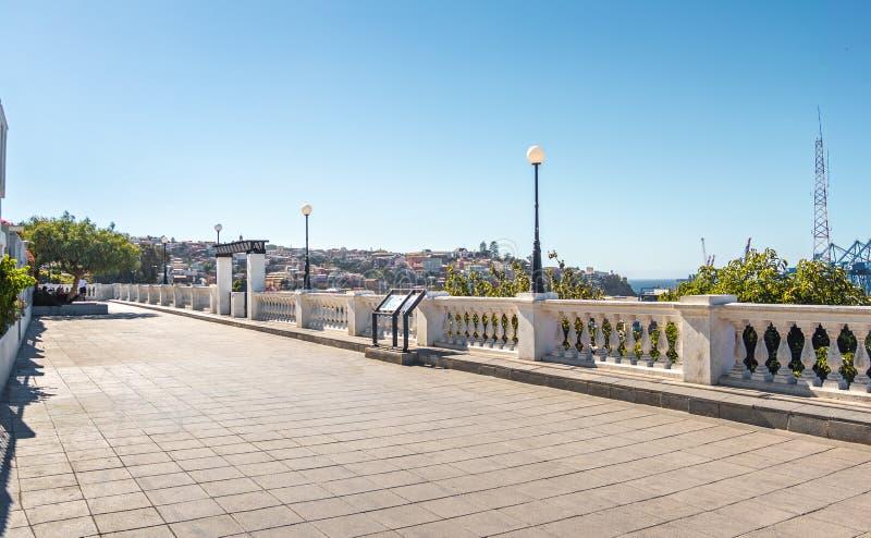 Caminhada de Paseo Yugoslavo em Cerro Concepción - Valparaiso, o Chile fotografia de stock