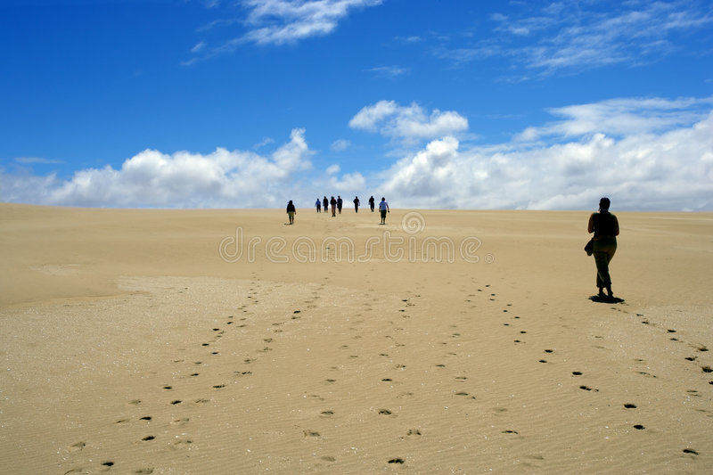 Caminhada do deserto fotografia de stock royalty free