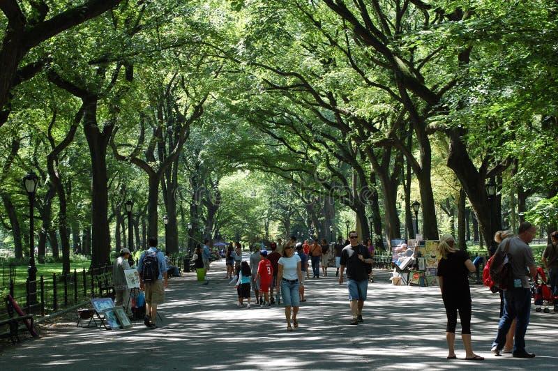 Caminhada do poeta em Central Park, New York City imagem de stock royalty free
