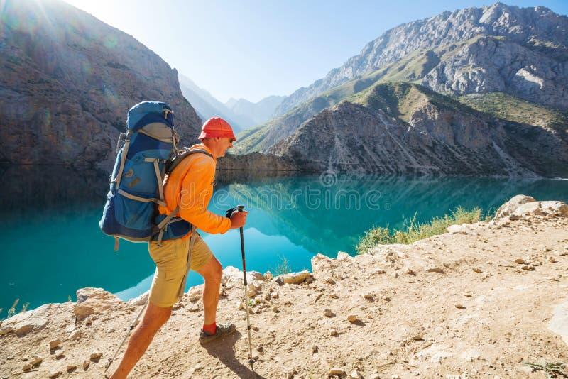 Caminhada em montanhas de Fann imagens de stock royalty free