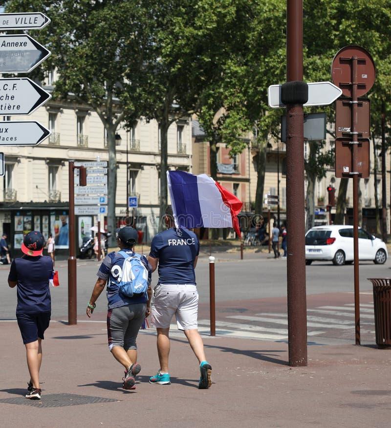 Caminhada final do fã de Versalhes fan de futebol do 15 de julho francês imagem de stock