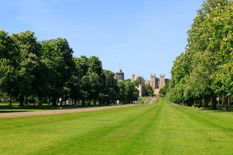 Caminhada longa do castelo de Windsor fotos de stock royalty free
