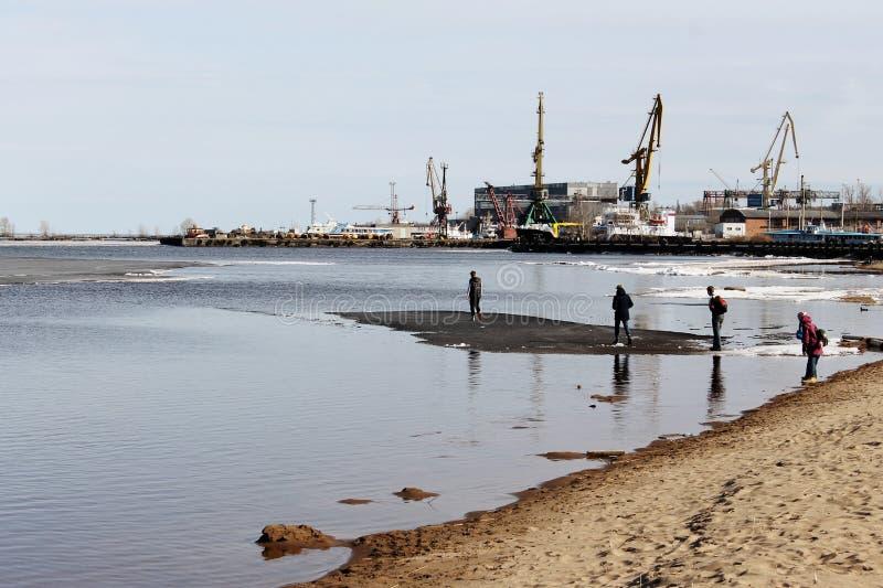 Caminhada na água foto de stock royalty free