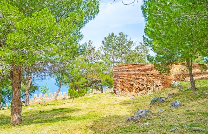 A caminhada no castelo de Alanya imagens de stock royalty free