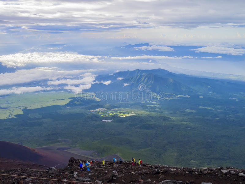 Caminhada no Monte Fuji famoso foto de stock